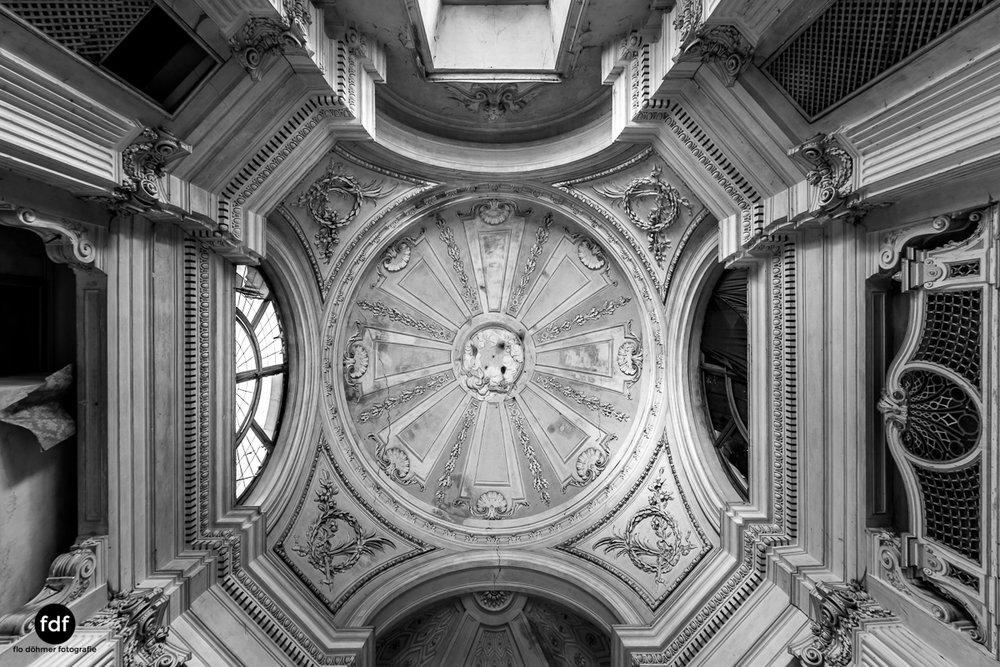 Villa dei Danzatori-Villa RosaPalazzo L-Herrenhaus-Lost Place-Italien-78.JPG