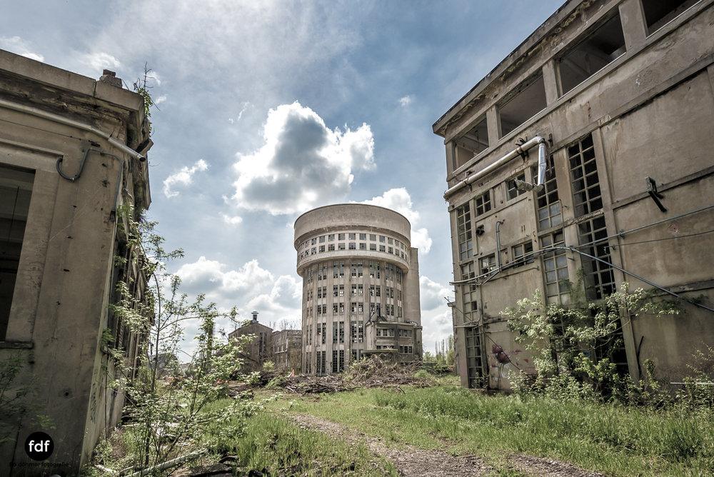 Oculus Tower-Raffinerie-Industrie-Lost Place-Italien-2.JPG