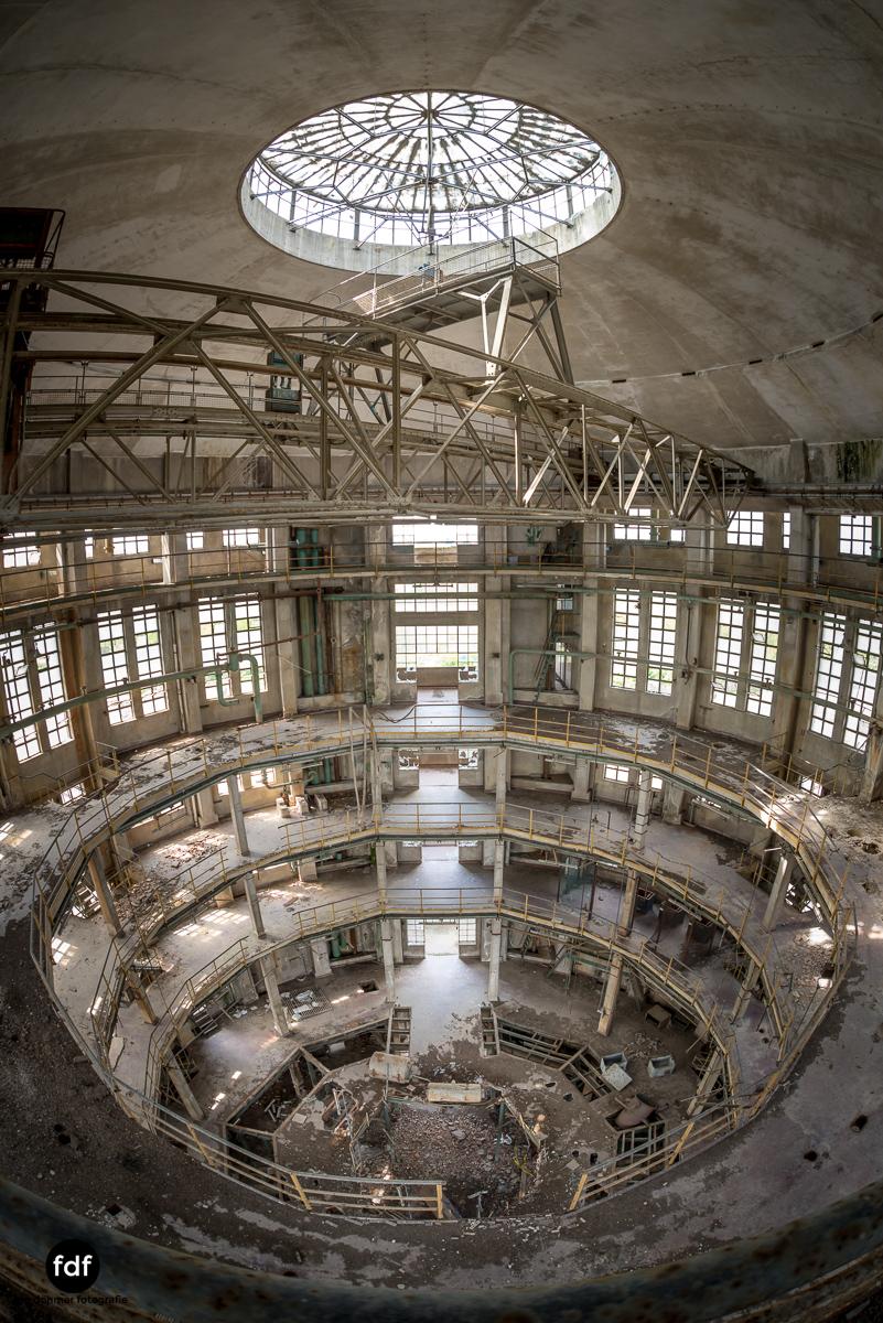 Oculus Tower-Raffinerie-Industrie-Lost Place-Italien-35.JPG