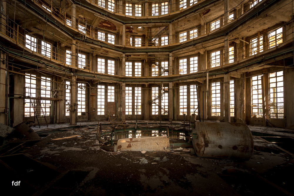 Oculus Tower-Raffinerie-Industrie-Lost Place-Italien-43.JPG