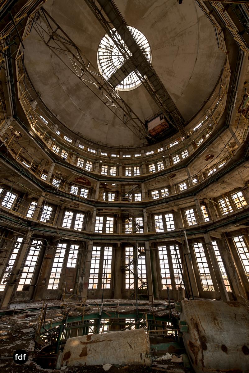Oculus Tower-Raffinerie-Industrie-Lost Place-Italien-42.JPG
