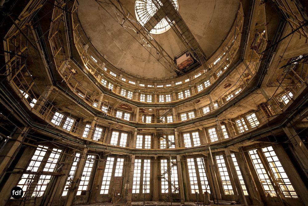 Oculus Tower-Raffinerie-Industrie-Lost Place-Italien-44.JPG