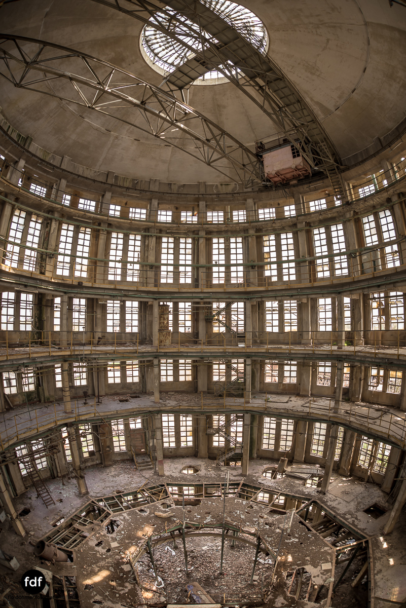 Oculus Tower-Raffinerie-Industrie-Lost Place-Italien-54.JPG