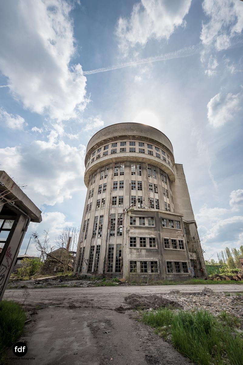 Oculus Tower-Raffinerie-Industrie-Lost Place-Italien-73.JPG