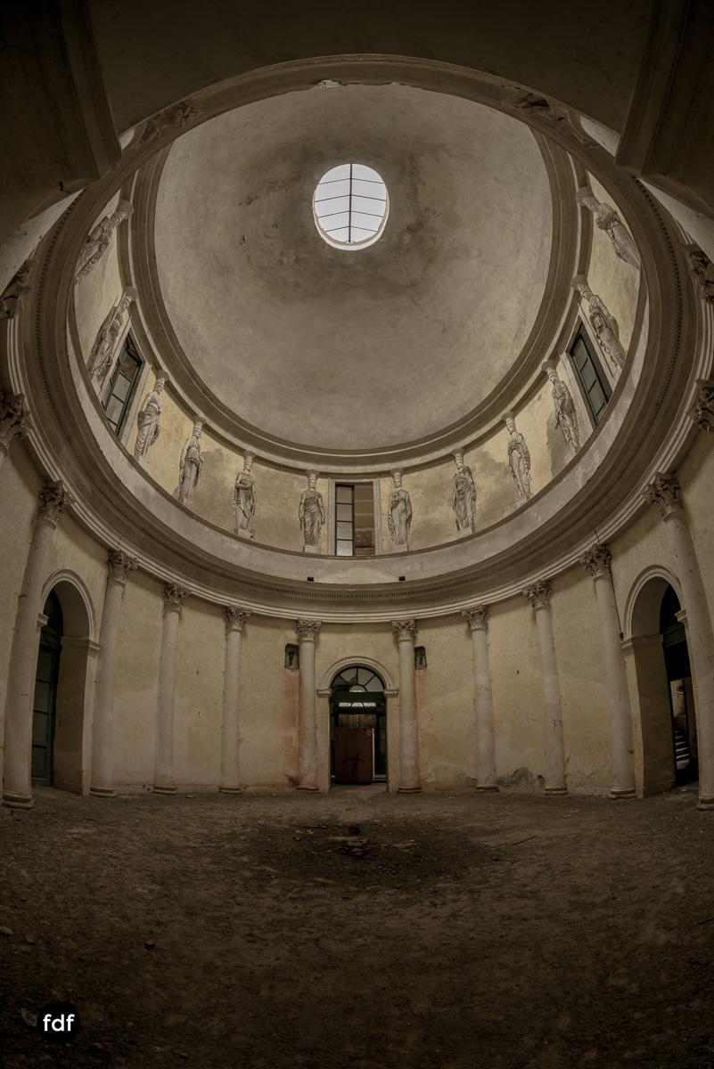 Villa Rotonda-Herrenhaus-Lost Place-Italien-10.JPG