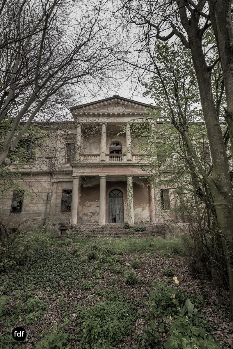 Villa Rotonda-Herrenhaus-Lost Place-Italien-61.JPG