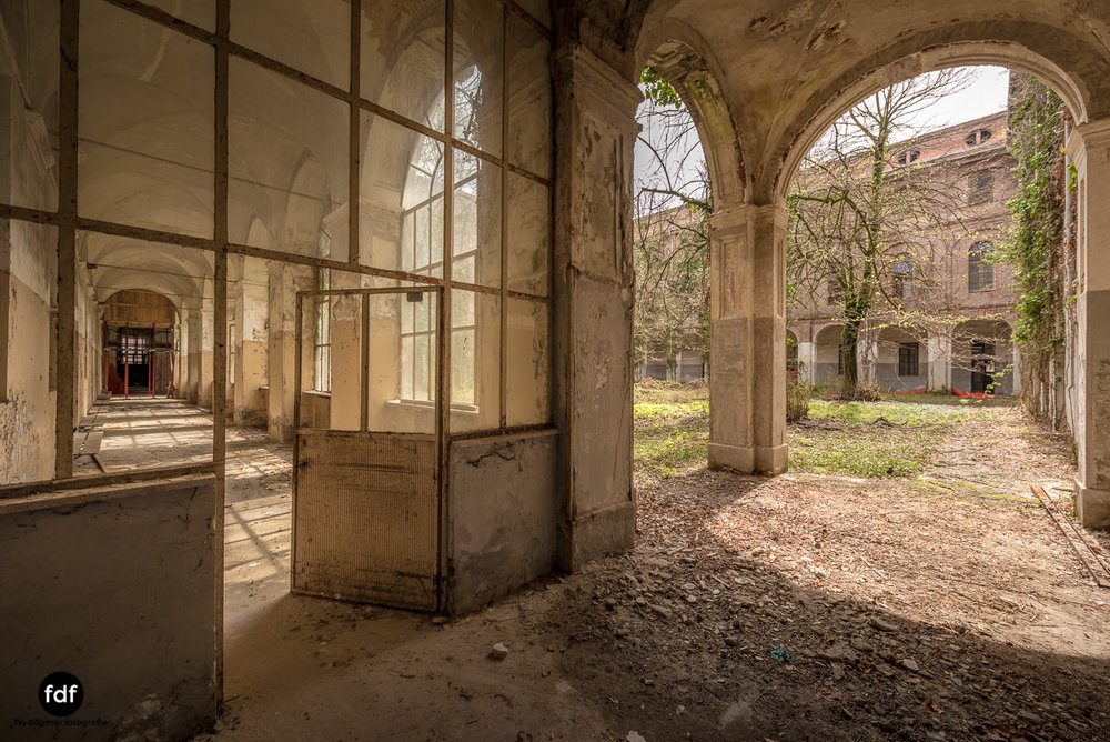 Manicomio di R-Klinik-Asyl-Psychatrie-Lost Place-Italien-2.JPG