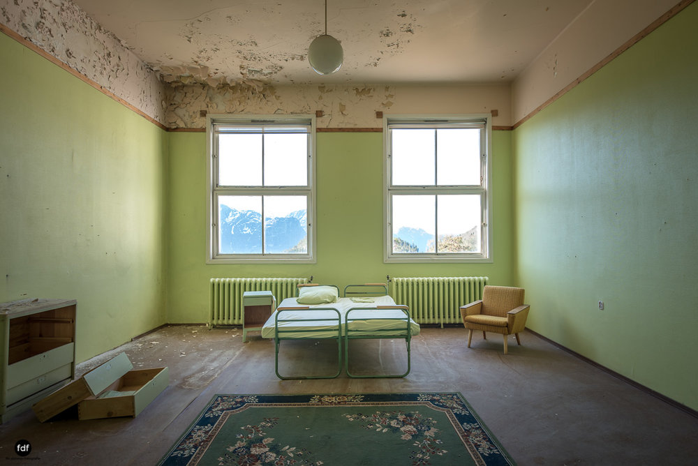 Luster Sanatorium-Klinik-Lost Place-Norway-16.JPG
