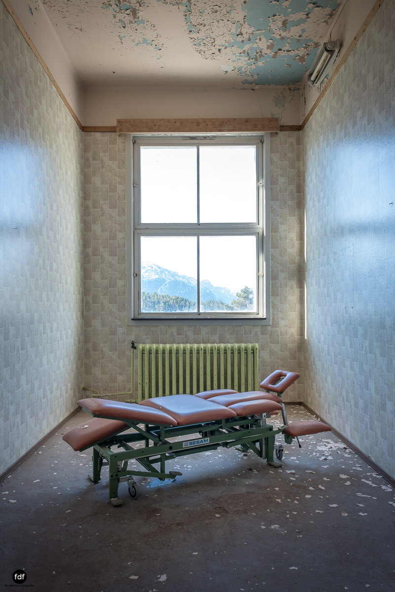 Luster Sanatorium-Klinik-Lost Place-Norway-34.JPG