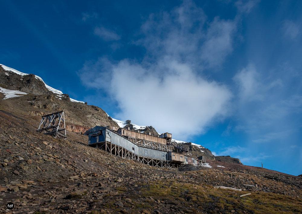 Norway-Spitzbergen-Svalbard-Lost Place-Mine 2-4.JPG