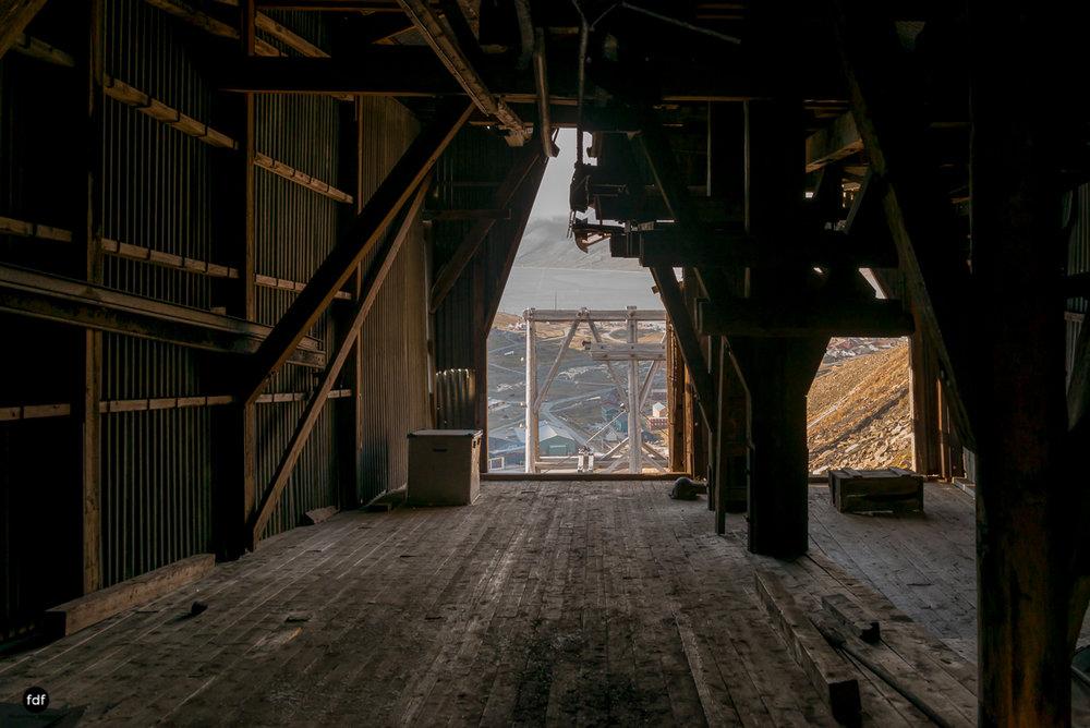 Norway-Spitzbergen-Svalbard-Lost Place-Mine 2-29.JPG