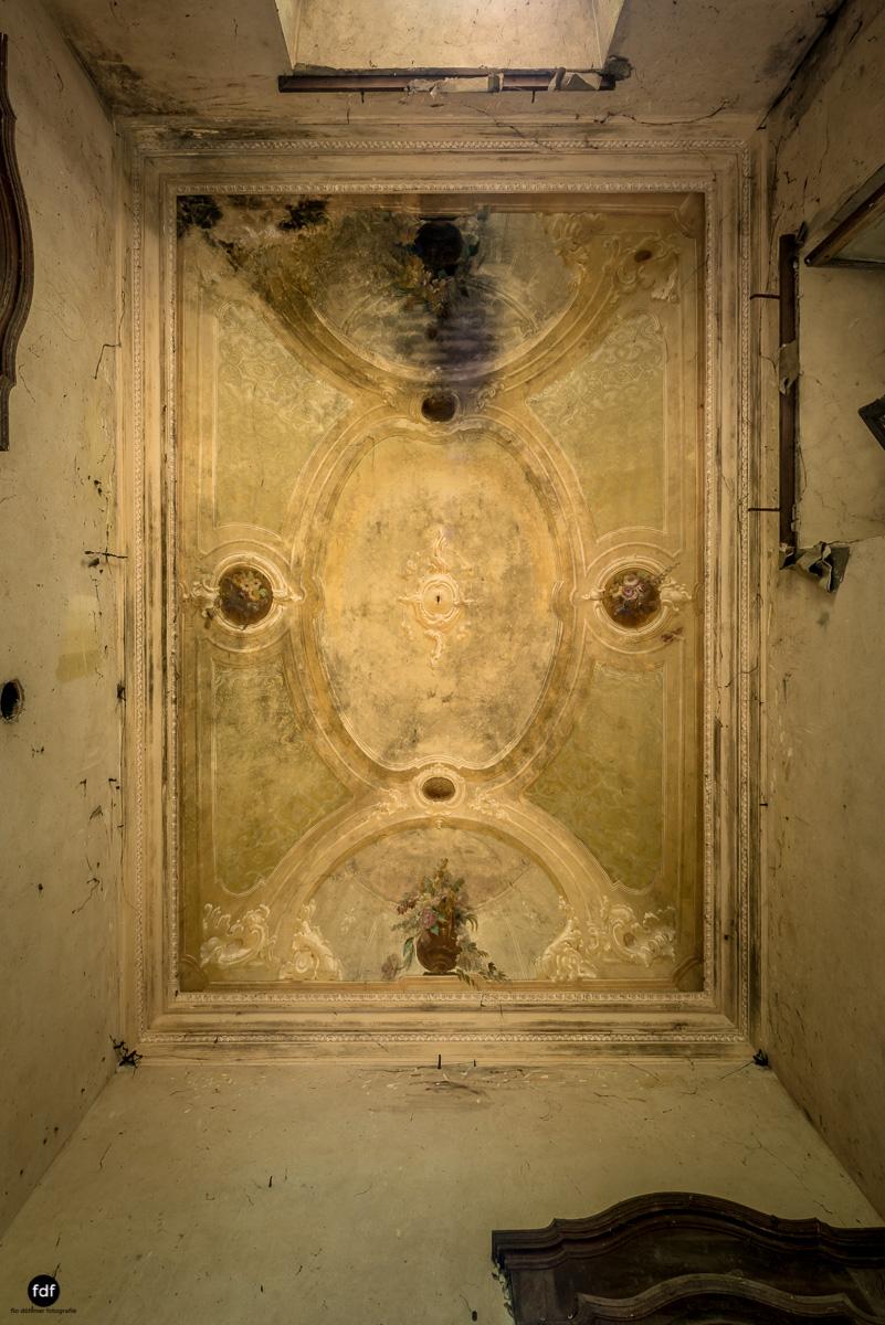 Palazzo di L-Herrenhaus-Kapelle-Lost Place-Italien-22.JPG