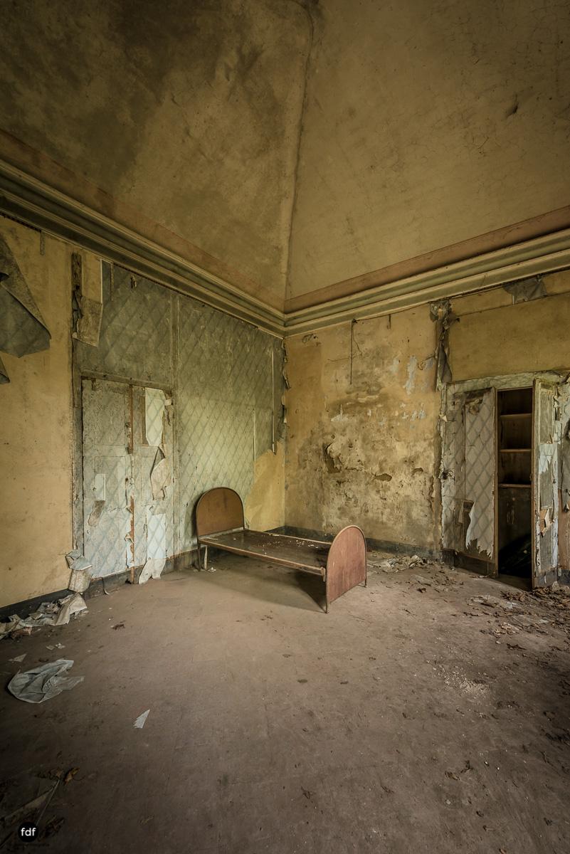 Palazzo di L-Herrenhaus-Kapelle-Lost Place-Italien-51.JPG