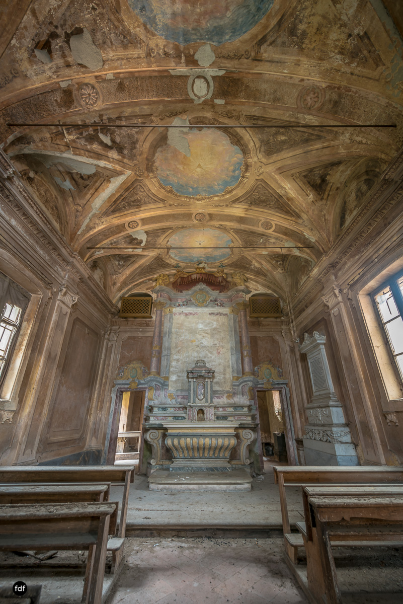 Palazzo di L-Herrenhaus-Kapelle-Lost Place-Italien-63.JPG