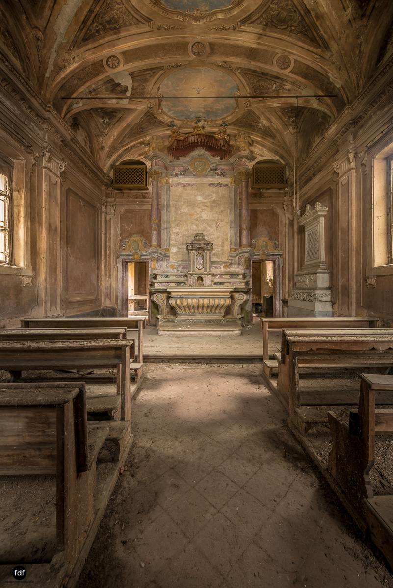 Palazzo di L-Herrenhaus-Kapelle-Lost Place-Italien-61.JPG