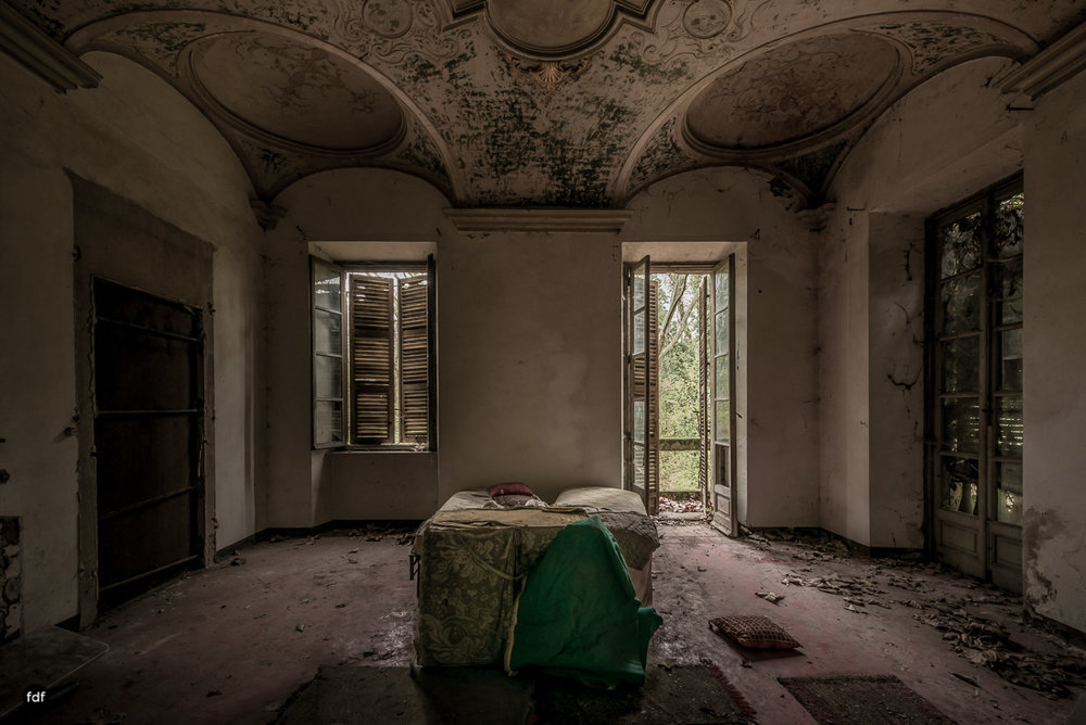 Palazzo di L-Herrenhaus-Kapelle-Lost Place-Italien-83.JPG