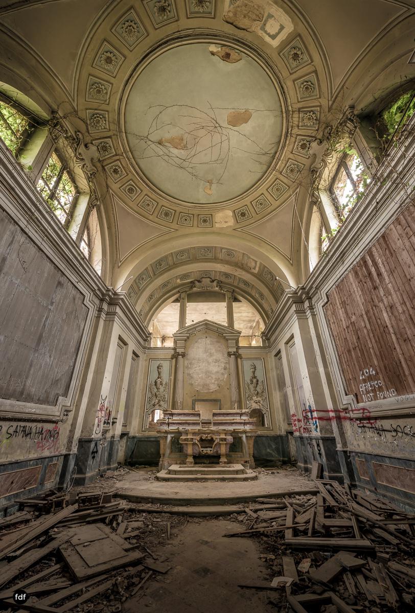 Villa Moglia-Herrenhaus-Kapelle-Lost Place-Italien-6.JPG