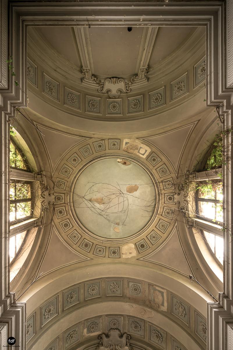 Villa Moglia-Herrenhaus-Kapelle-Lost Place-Italien-9.JPG