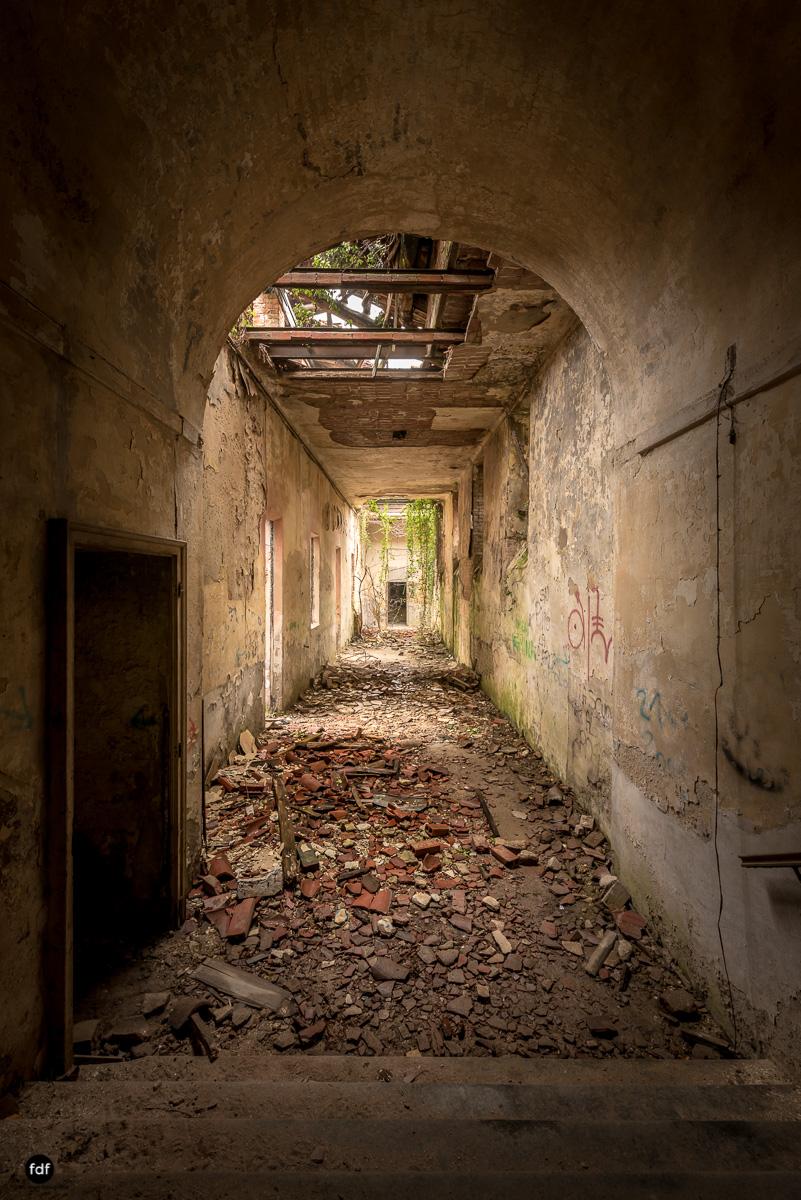Villa Moglia-Herrenhaus-Kapelle-Lost Place-Italien-23.JPG