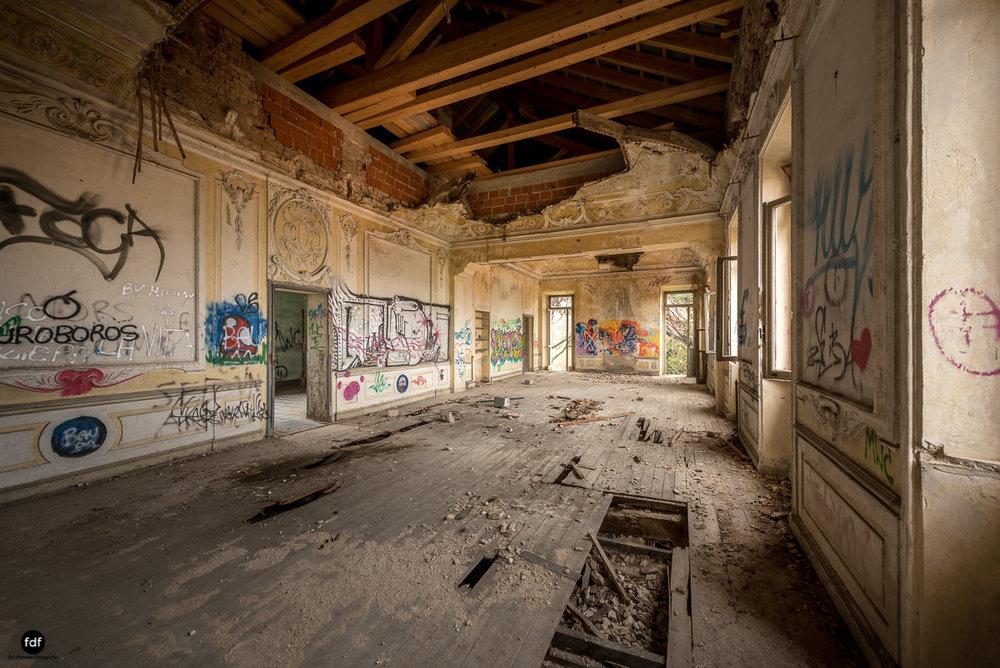 Villa Moglia-Herrenhaus-Kapelle-Lost Place-Italien-35.JPG