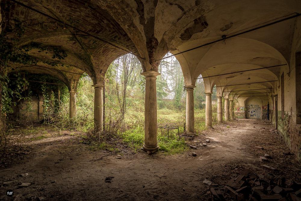 Villa Moglia-Herrenhaus-Kapelle-Lost Place-Italien-41.JPG