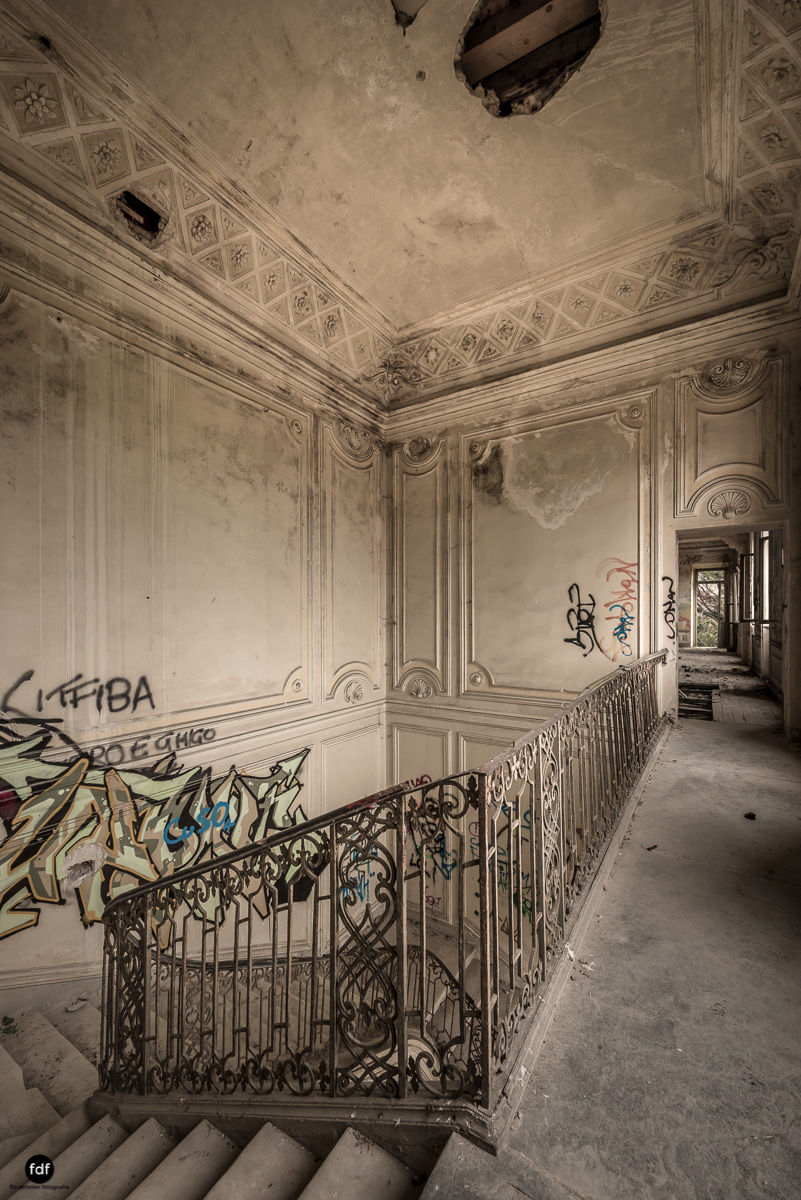 Villa Moglia-Herrenhaus-Kapelle-Lost Place-Italien-36.JPG