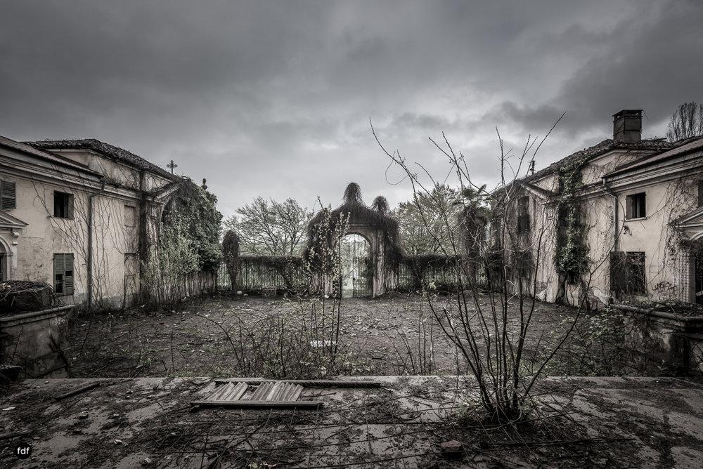 Villa Moglia-Herrenhaus-Kapelle-Lost Place-Italien-54.JPG