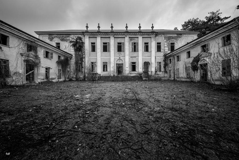 Villa Moglia-Herrenhaus-Kapelle-Lost Place-Italien-56.JPG