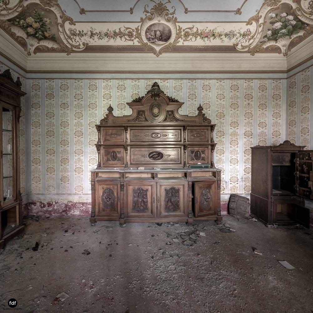 Villa Degli Specchi-Herrenhaus-Lost Place-Italien-6.JPG