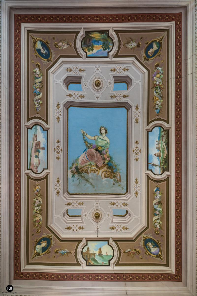 Villa Degli Specchi-Herrenhaus-Lost Place-Italien-36-Bearbeitet.JPG