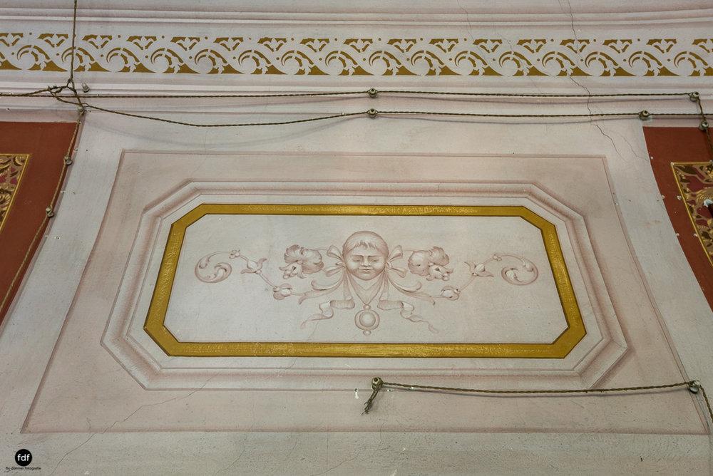 Villa Degli Specchi-Herrenhaus-Lost Place-Italien-52.JPG