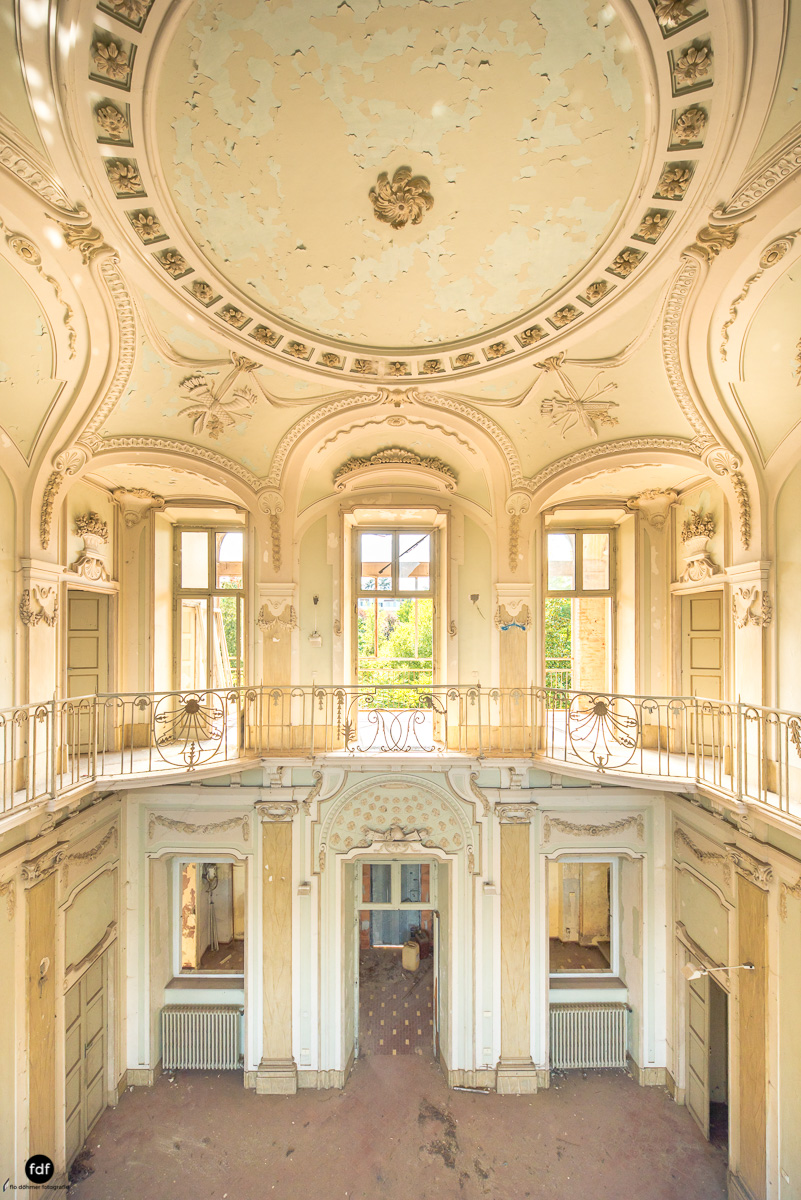Palazzo Mint-Herrenhaus-Lost Place-Italien-15.JPG