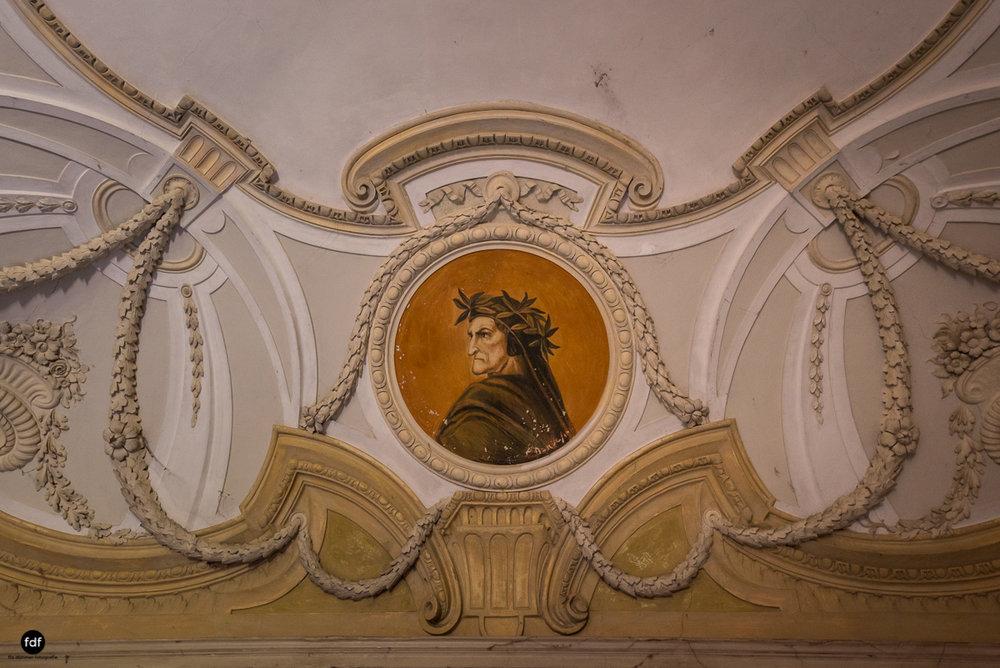 Palazzo Mint-Herrenhaus-Lost Place-Italien-27.JPG