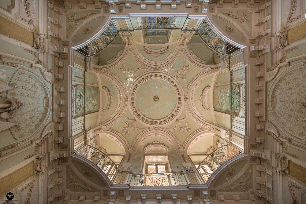 Palazzo Mint-Herrenhaus-Lost Place-Italien-30-Bearbeitet.JPG