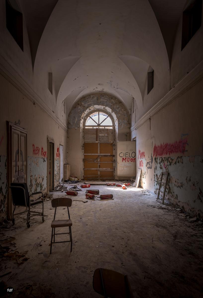 Manicomio di C-Klinik-Psychatrie-Lost Place-Italien-9.JPG