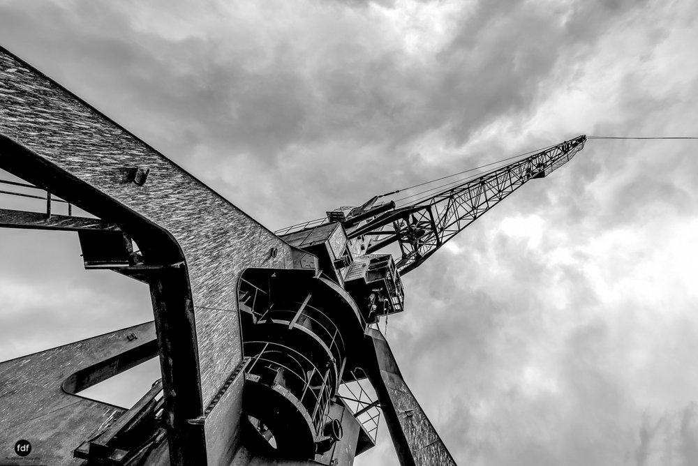 Tschernobyl und Prypjat-Frachthafen-Kräne-Lost Place-Ukraine-5.JPG