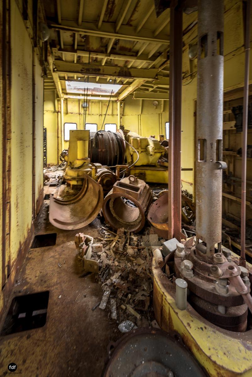 Tschernobyl und Prypjat-Frachthafen-Kräne-Lost Place-Ukraine-23.JPG