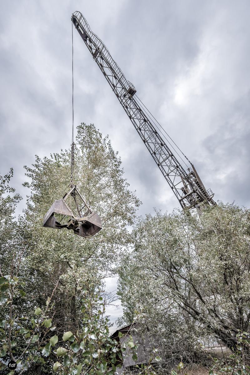 Tschernobyl und Prypjat-Frachthafen-Kräne-Lost Place-Ukraine-24.JPG