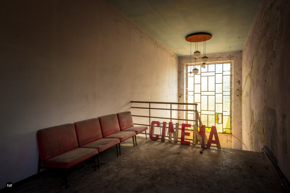 Teatro Circolare-Theater-Kino-Lost Place-Italien-4.JPG
