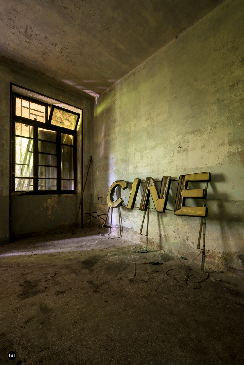 Teatro Circolare-Theater-Kino-Lost Place-Italien-25.JPG