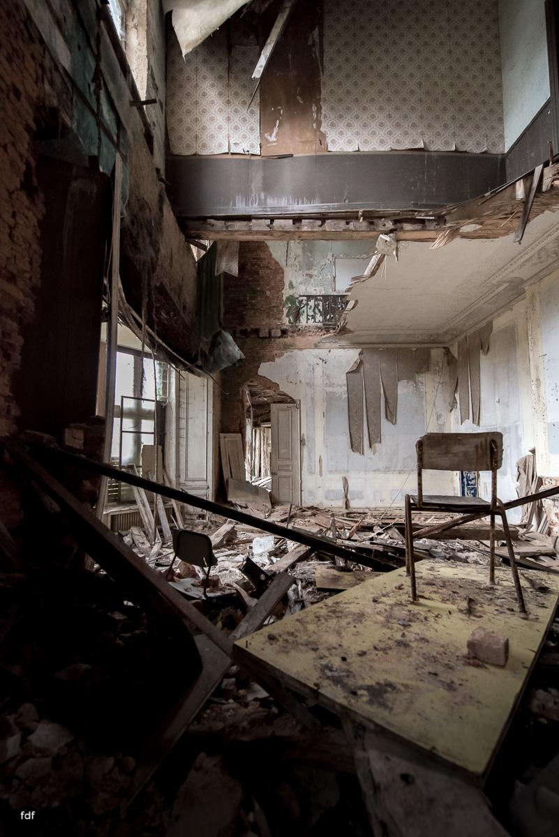 Chareau Noisy-Miranda-Kinderheim-Lost Place-Belgien-33.JPG