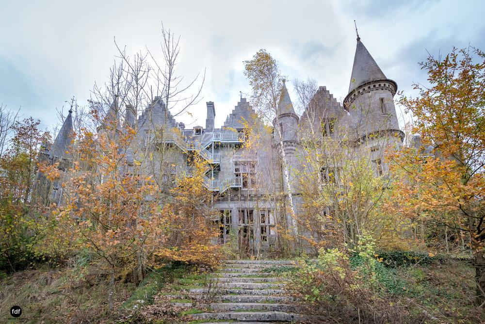 Chareau Noisy-Miranda-Kinderheim-Lost Place-Belgien-39.JPG