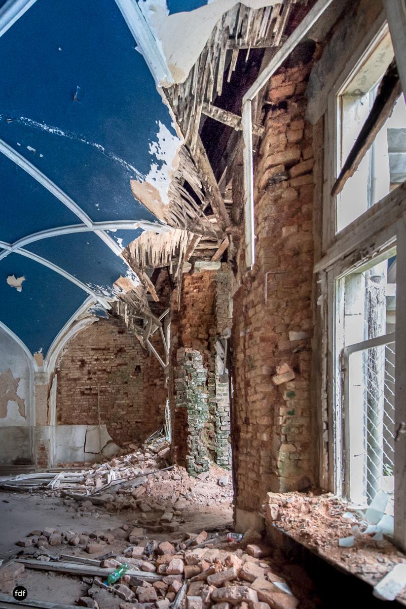 Chareau Noisy-Miranda-Kinderheim-Lost Place-Belgien-81.JPG