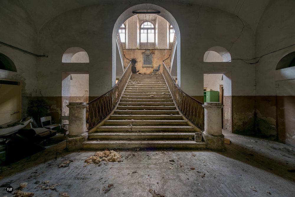 Casa di Riposo C-Klinik-Altenheim-Lost Place-Italien-3.JPG