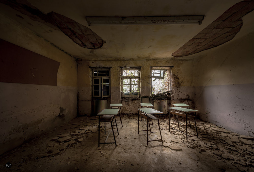 Red Cross Hospital-Klinik-Kinderheim-Lost Place-Italien-52.JPG