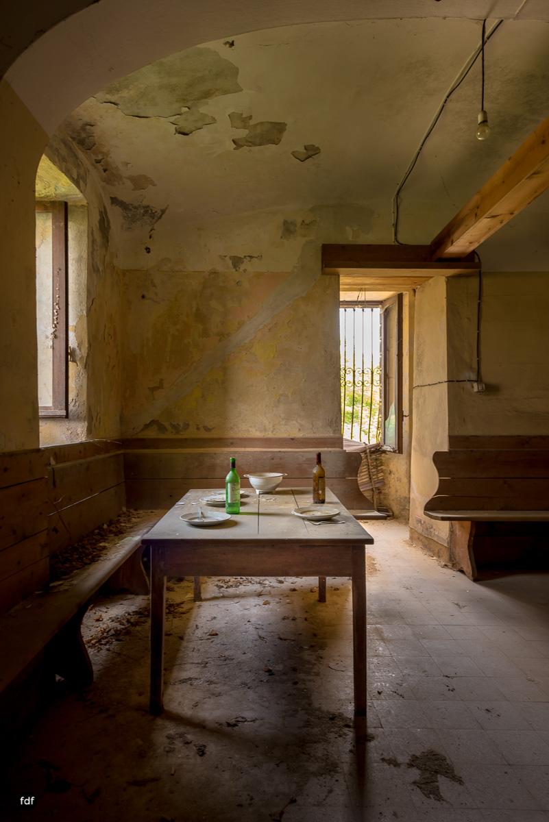 Oriental Gem-Herrenhaus-Lost Place-Italien-5.JPG