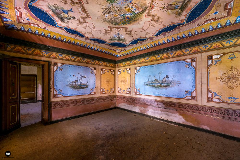 Oriental Gem-Herrenhaus-Lost Place-Italien-8.JPG