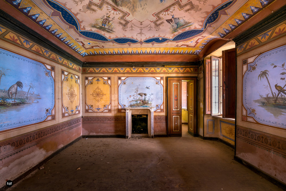 Oriental Gem-Herrenhaus-Lost Place-Italien-9.JPG