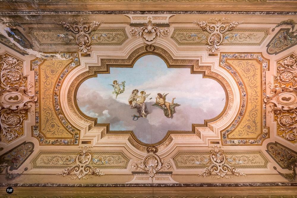 Oriental Gem-Herrenhaus-Lost Place-Italien-23.JPG