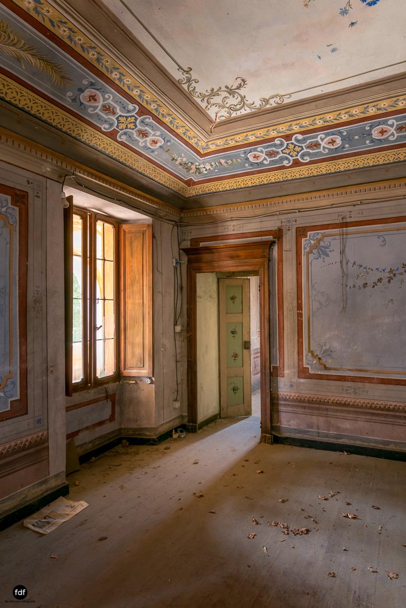 Oriental Gem-Herrenhaus-Lost Place-Italien-26.JPG